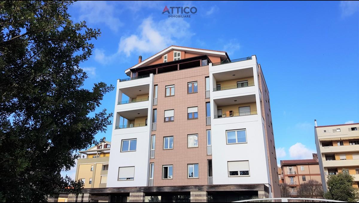 Appartamento come nuovo con terrazze su Piazzale Segni, Luna e Sole, Via Galleri, 3 Sassari Sardegna
