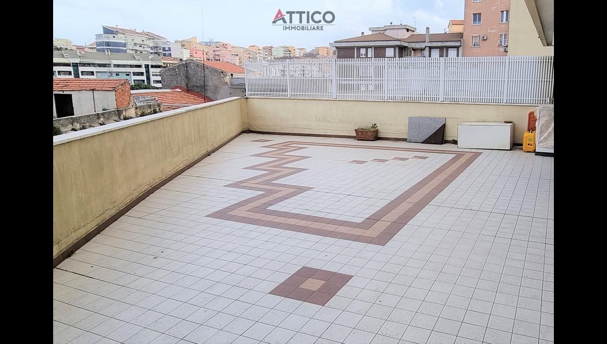 Ampio e rifinito appartamento con terrazzo zona Cappuccini, Viale San Francesco, 8 Sassari, Sardegna